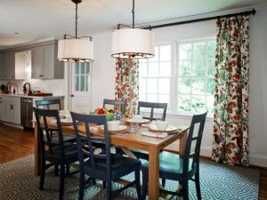 3-charlotte-interior-designer-dining-room-703-custom