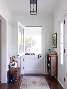 9-charlotte-interior-designer-mudroom-301-custom