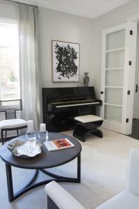 Charlotte Interior Designer Living Room 102