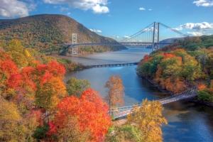 americancruiselines-hudson-river
