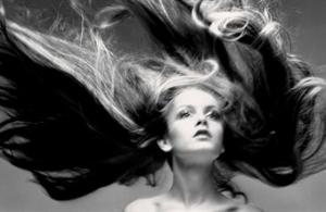 richard_avedon_twiggy_hair_by_ara_gallant_paris_studio_january_1968_d5379335h