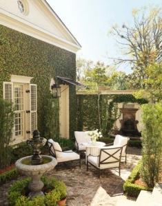 ty-larkins-courtyard