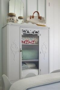 vintage-cabinet